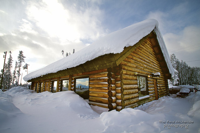 Mountain cabin is calling you!